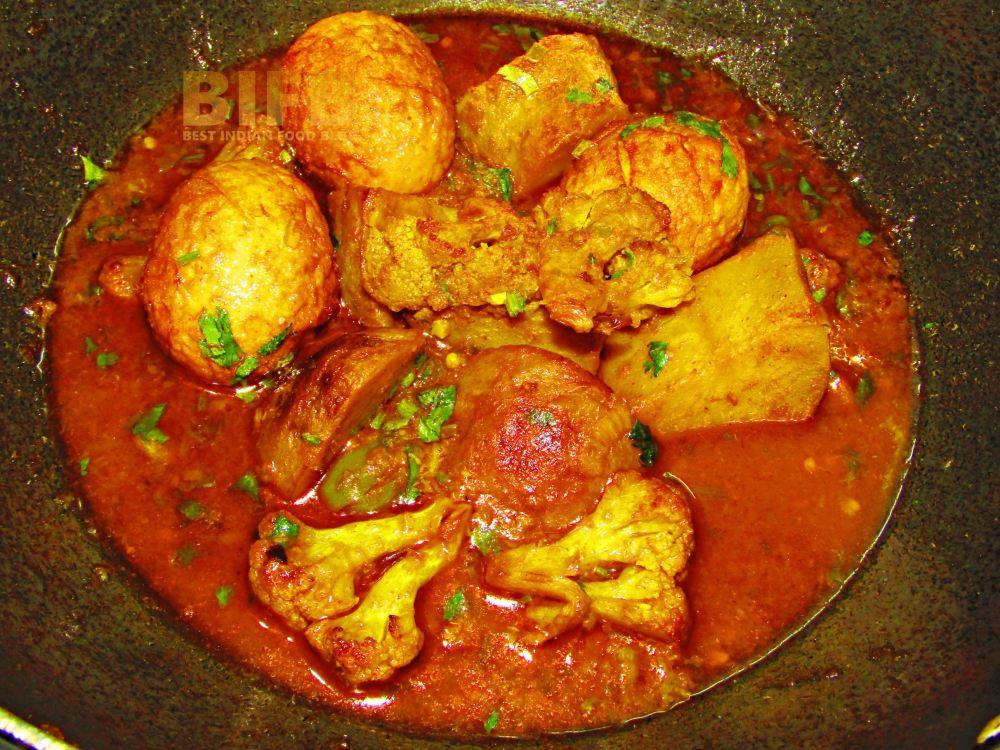 Anda Gobi Korma from Delhi, India | Best Indian Food Blog