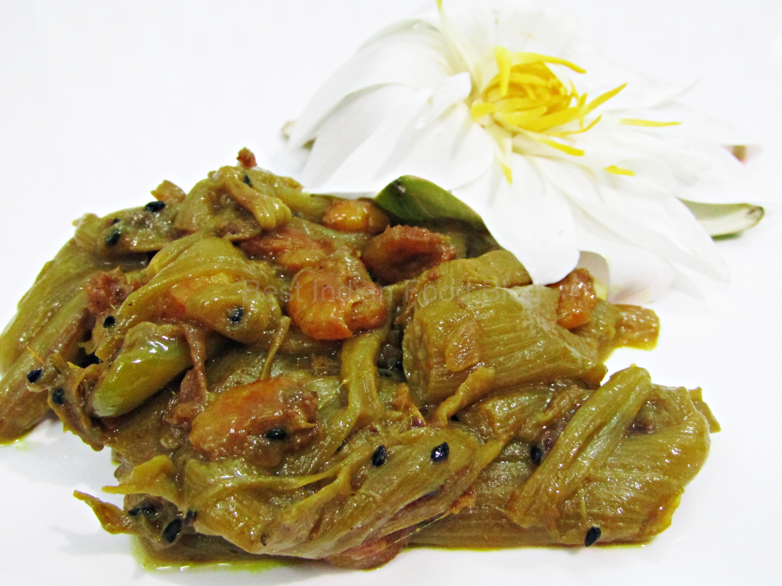 Shapla Chingri from West Bengal, India | Best Indian Food Blog | Water Lily Shrimp recipe