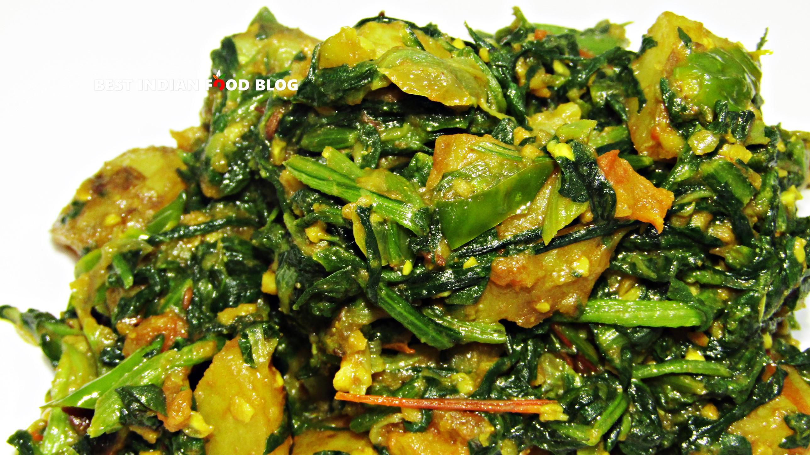 Palak Aloo from Punjab, India   Best Indian Food Blog   Potato Spinach recipe