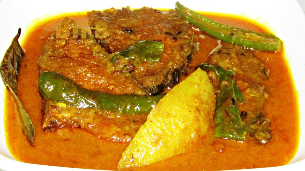 Katla Macher Jhol from West Bengal, India | Best Indian Food Blog | Catla Fish recipe